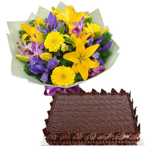Enchanting Twelve Mixed Flowers Hand Bunch with Chocolate Cake