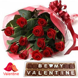 V-day Welcoming Gift of Red Roses Bouquet with Be My Valentine Hand Made Chocolate