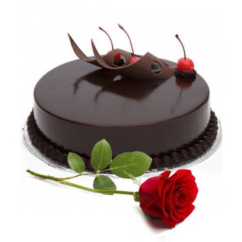 Enticing Eggless Chocolate Cake with Single Rose