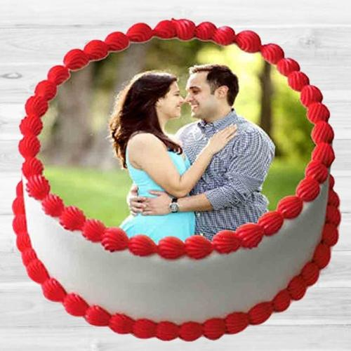 Special Gift of Vanilla Flavor Photo Cake for Hug Day