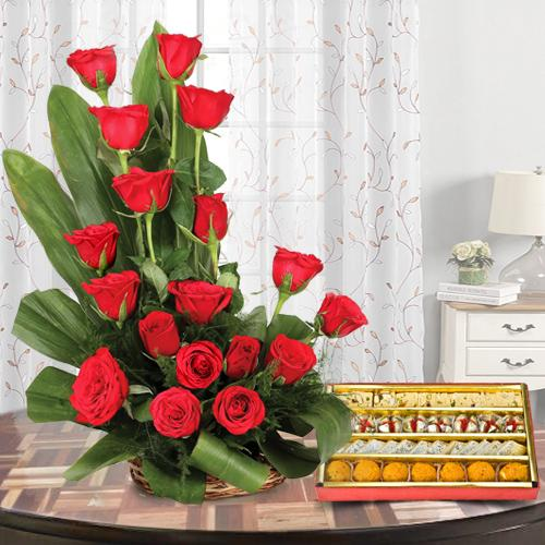 Roses Arrangement N Mixed Haldirams Sweets