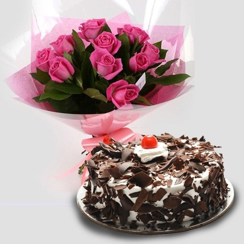 Charming 12 Pink Roses with 1/2 Kg Black Forest Cake