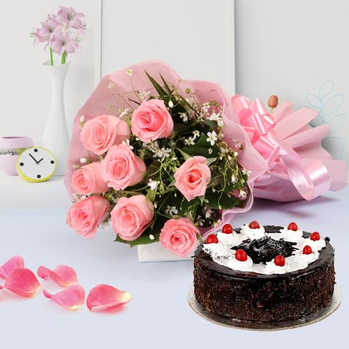 Finest Cake with Dazzling Pink Roses Bouquet