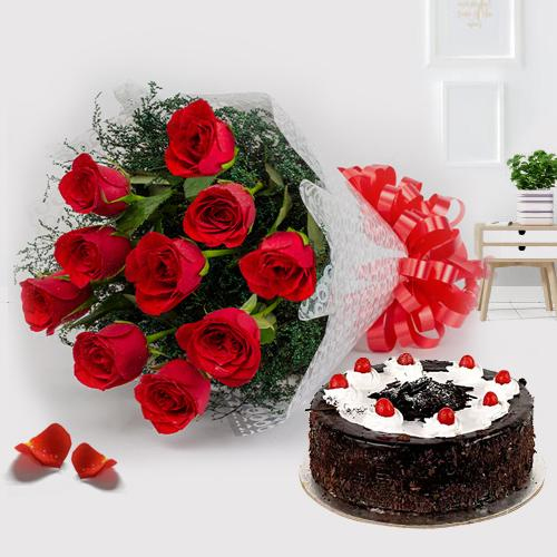 Black Forest Cake N Red Roses Bunch