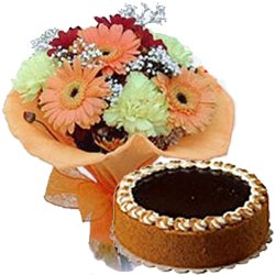 Pretty Mixed Flowers Bouquet N Eggless Cake
