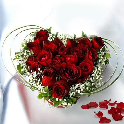 Lovely Arrangement of Heart Shaped Roses