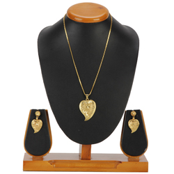 Traditional Heart Framed Gold Tone Metal Earrings and Pendant Set