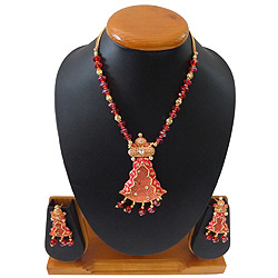 Attractive Ladies Special Necklace Set