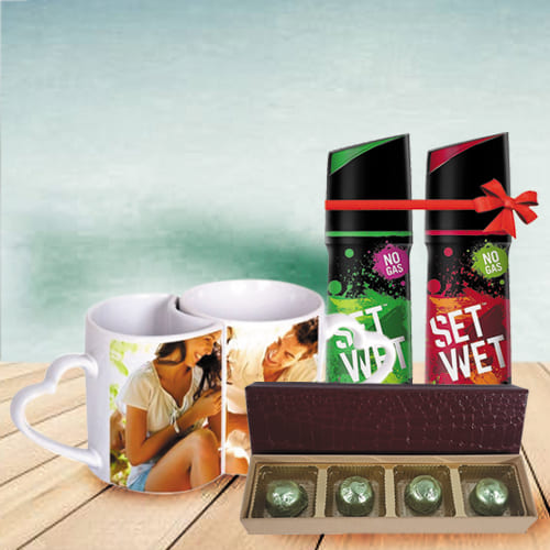 Stunning Personalized Gift Hamper for Anniversary