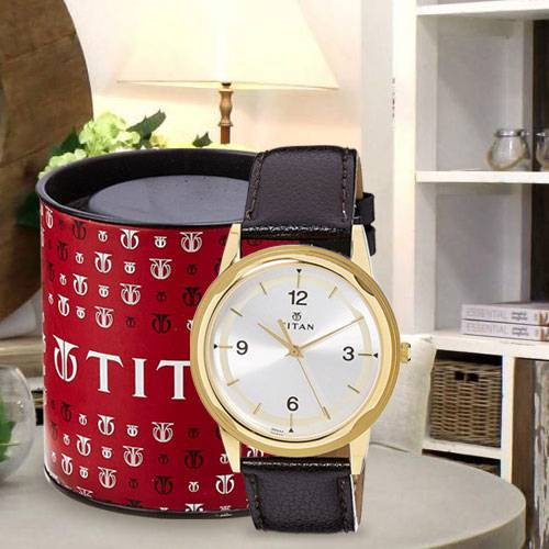 Exclusive Titan Karishma Analog Mens Watch