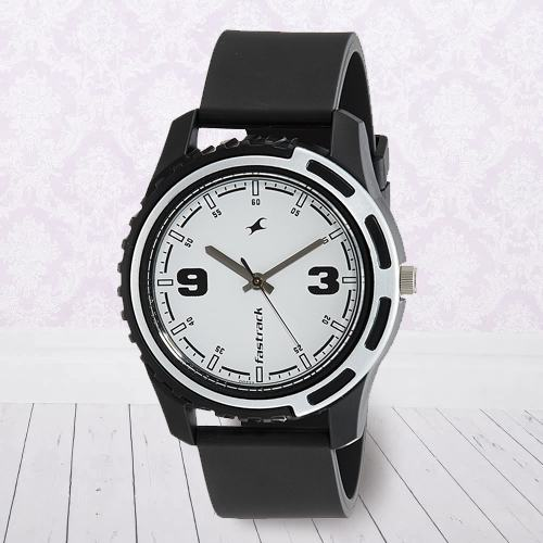 Mesmerizing Fastrack Casual Analog Mens Watch