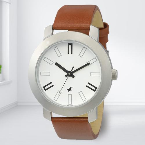Admirable Fastrack Casual Analog Mens Watch